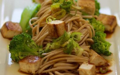 Peanutty Soba Noodles with BBQ Tofu and Veggies